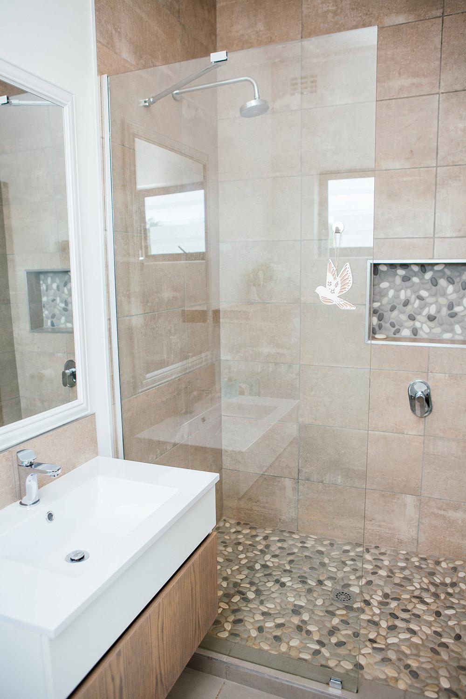 Guest bedroom downstairs - bathroom
