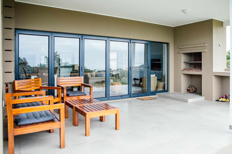 Covered terrace & braai